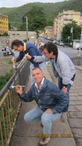Testimonial d'eccezione per l'operazione Ponte Pulito! Ugo Dighero, Mauro Pirovano e Mirco Bonomi alle prese con vernice e pennelli!