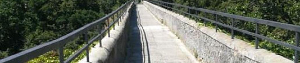 Ponte di Preli: pulizia e verniciatura ultimata. Si ricomincia a settembre!